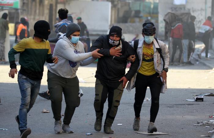 العراق | العراق.. تظاهرة لشيوخ عشائر ذي قار رفضاً لحكومة علاوي