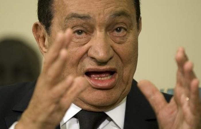 طبيب حسني مبارك يفجر مفاجأة.. أصابه مرض نادر!