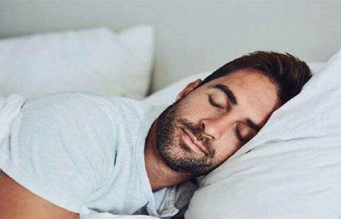 الشخير أثناء النوم قد يشير إلى خطر النوبة القلبية!