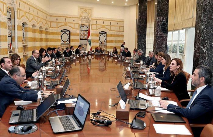 """""""الحزب"""" يدفع لبنان نحو العزلة الدولية لمصلحة مشروع ايران!"""