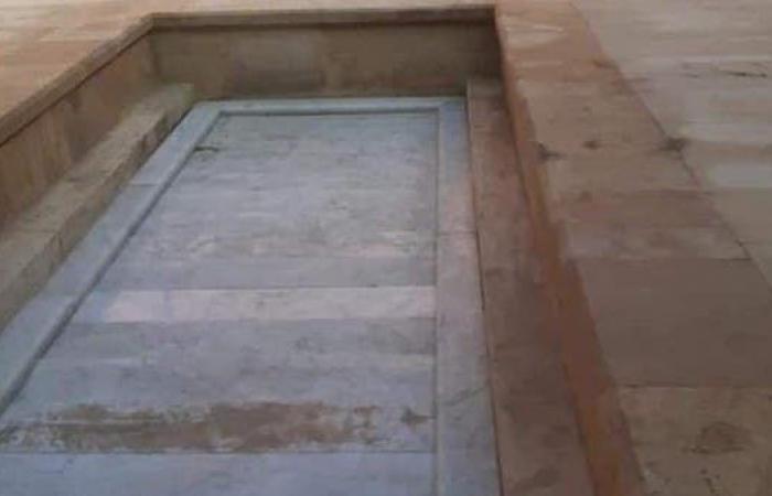 مصر | هنا يرقد الرئيس الأسبق.. عزاءات شعبية لمبارك اليوم