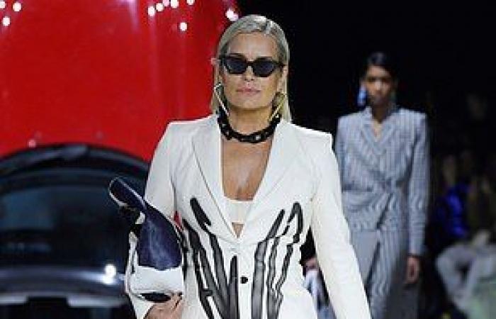 يولاندا تتألق إلى جانب ابنتيها جيجي وبيلا حديد في أسبوع الموضة الباريسي
