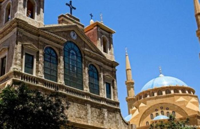 لا تعليق للصلوات في المساجد والكنائس...