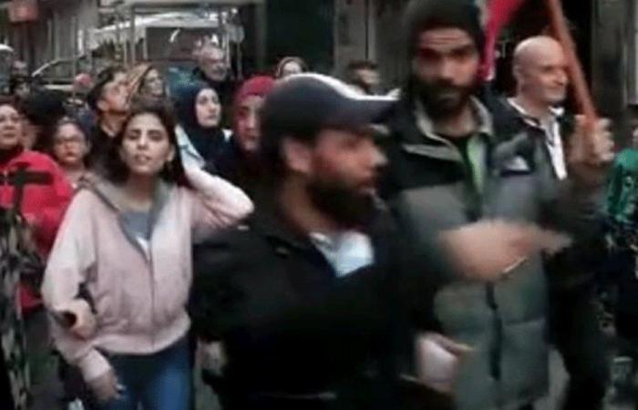 مسيرة في طرابلس للمطالبة باستعادة الأموال المنهوبة