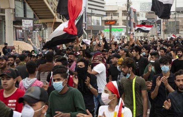 العراق   13 إصابة بكورونا.. الصحة العراقية تحذر من التجمّعات
