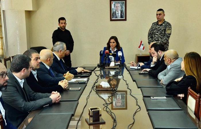 عبد الصمد: الحكومة تقوم بواجباتها بشهادة دول كبرى