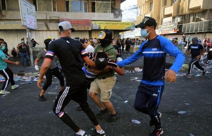 العراق   اشتباكات في وسط بغداد.. وإصابات ببنادق الصيد مجددا