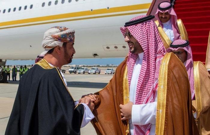 السعودية | سلطان عُمان يبحث العلاقات الثنائية مع نائب وزير الدفاع السعودي