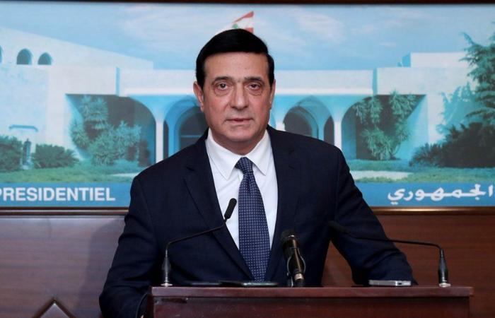 وزير الاشغال من بعبدا: ننسق لتعقيم كل المرافىء ووسائل المواصلات