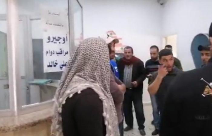 في حلبا.. اعتصامات أمام المؤسسات والادارات الرسمية