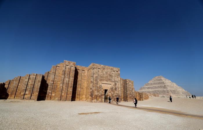 مصر   بالصور.. أقدم هرم بمصر يستعيد شبابه بعد ترميم دام 14 عاماً