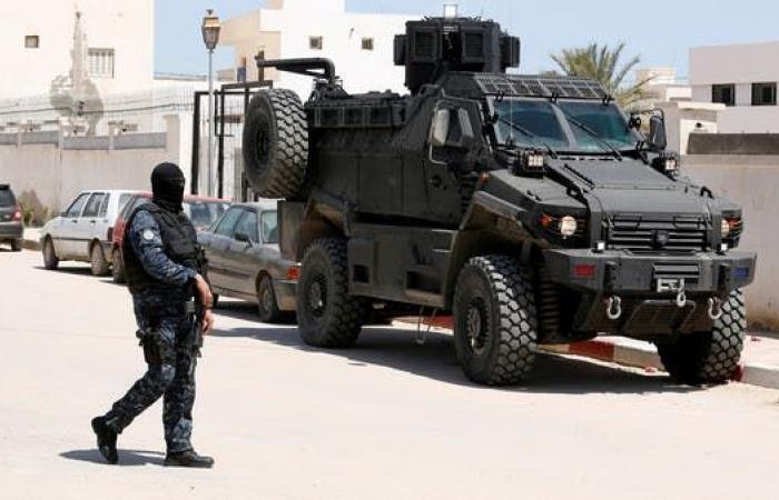 تونس.. إرهابي يفجر نفسه قرب السفارة الأميركية