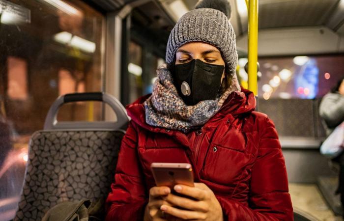 تداعيات كورونا.. هل يتحمل الإنترنت ملايين يعملون من منازلهم؟