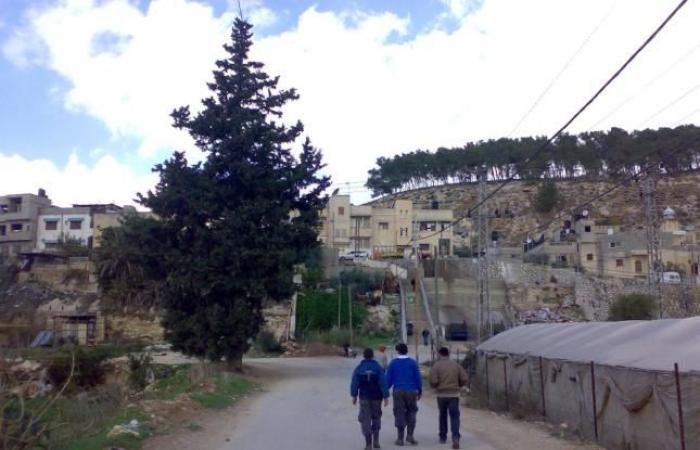 فلسطين | تجهيز مبنى للطوارئ بمخيم نور شمس
