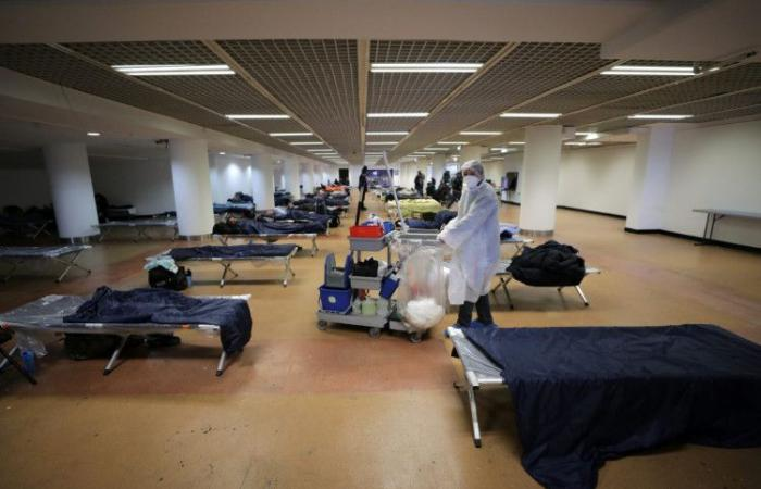 مقر كان السينمائي يتحول لمأوى مشردين بسبب كورونا.. الصور محزنة!
