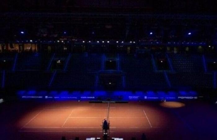 كورونا يصيب أول لاعبي كرة المضرب المحترفين