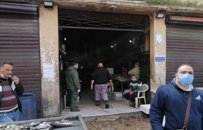 إقفال كامل للمحال التجارية في طرابلس ودوريات راجلة للجيش