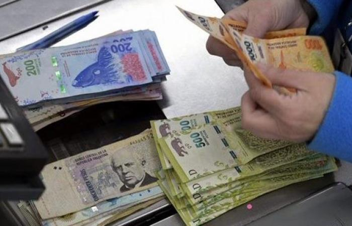الأرجنتين ترجئ تسديد 9.8 مليار دولار من الديون الى العام 2021