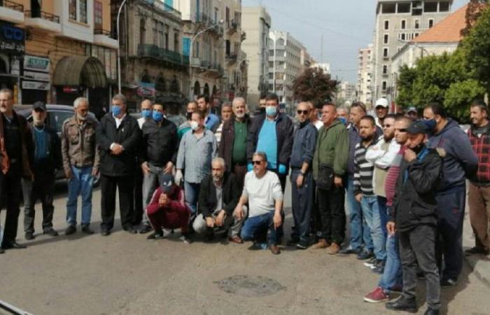 اعتصام لسائقي السيارات العمومية في طرابلس