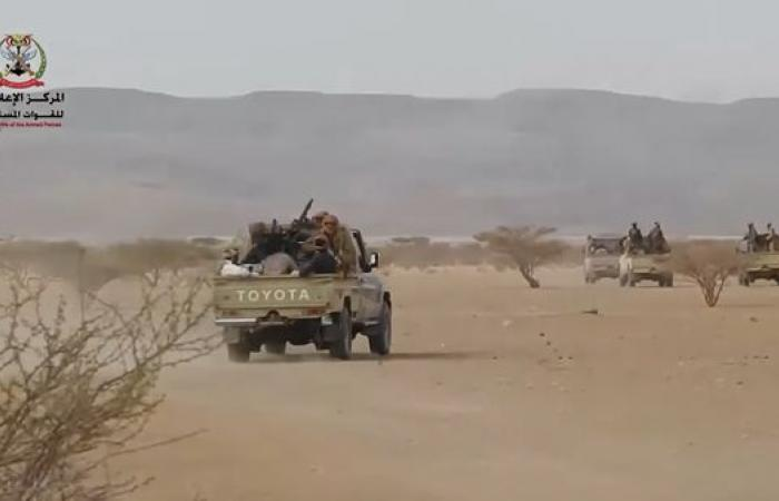 اليمن   الجيش اليمني يسيطر على معسكر اللبنات في الجوف