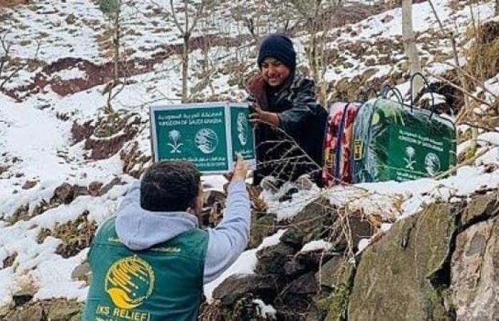 السعودية | مركز الملك سلمان للإغاثة يورد أدوات طبية لليمن وفلسطين