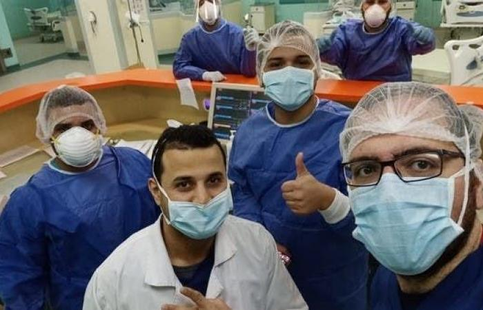 مصر   قصة تعافي مريض بتليف الكبد وابنه من فيروس كورونا في مصر