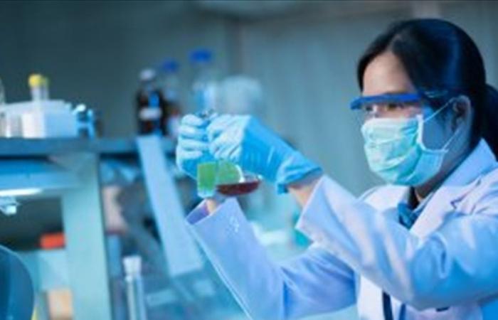 آثار جانبية خطيرة لأدوية علاج كورونا.. هل تُسبب الموت المفاجئ؟