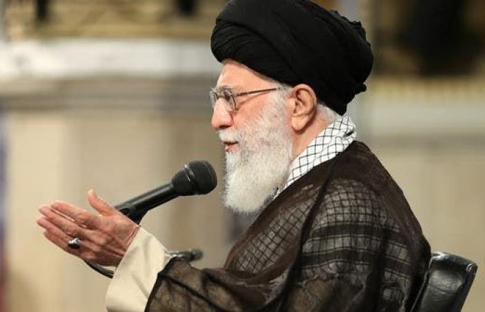 إيران   صحيفة مقربة من خامنئي: أموال المرشد للناس أنفقوها عليهم