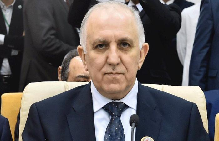وزير الداخلية ينظّم محضر ضبط بحق إبنه!