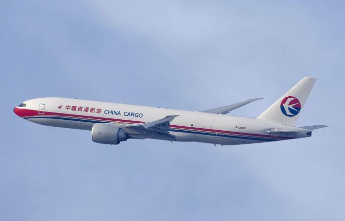 الخطوط الجوية الصينية تعلن عن خسائر 4.8 مليار دولار بسبب كورونا