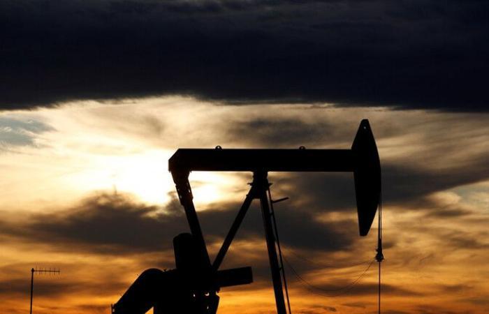أسعار النفط تصعد.. مع تخفيف دول إجراءات العزل