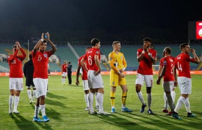 لاعبو إنجلترا يتنازلون عن مكافآتهم لمكافحة كورونا