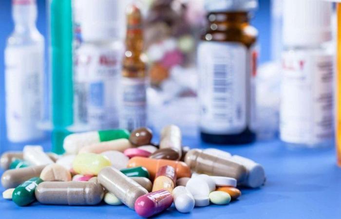 هل ترتفع أسعار الأدوية مع الدولار؟