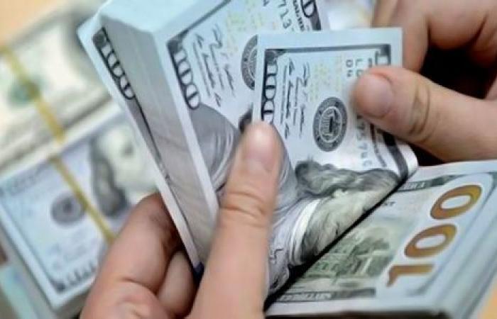 """الدولار """"يلعب""""... سعر الصرف يرتفع من جديد!"""