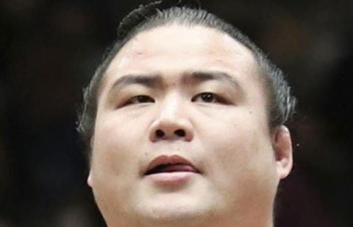 وفاة مصارع سومو ياباني بسبب كورونا