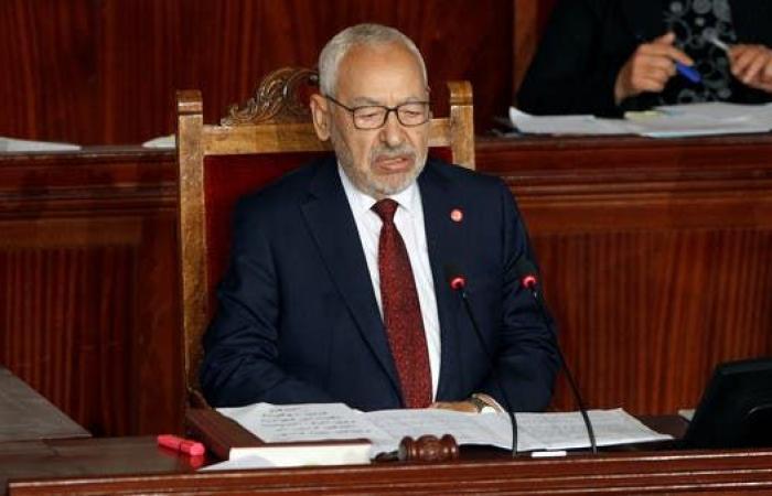 """تونس.. الغنوشي يحل المكتب التنفيذي لـ""""النهضة"""""""
