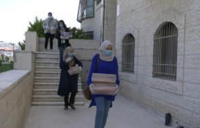 فلسطين | إطلاق حملة من امرأة لامرأة لمساعدة من فقدن أعمالهن بسبب كورونا