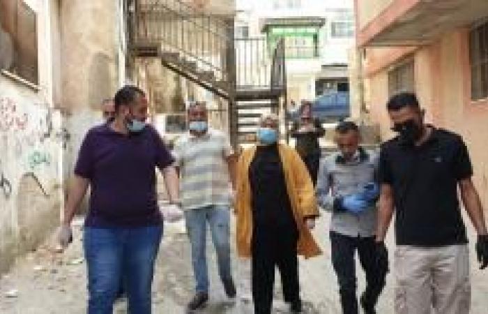 فلسطين | غنام تتفقد أحوال مخيم الجلزون وتقدم مساعدات لمحتاجين