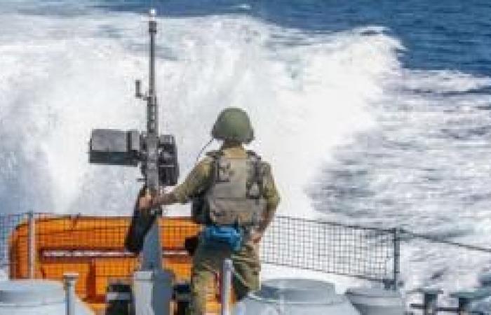 فلسطين | زوارق الاحتلال تطلق قذائف قبالة سواحل شمال قطاع غزة
