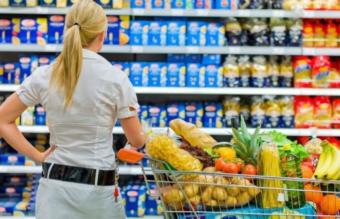 توقيف استيراد المنتجات الغذائية الاساسية قريبا؟