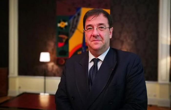 السفير الفرنسي في بيروت: الدبلوماسي المُسوِّق للهيمنة الإيرانية على لبنان