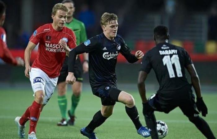 تمديد عقود لاعبي الدوري الدنماركي حتى نهاية يوليو