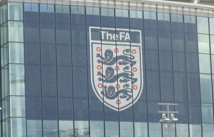 الاتحاد الإنجليزي ينهي الدوري الممتاز للسيدات