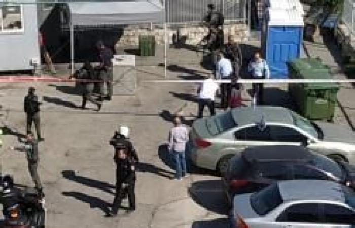 فلسطين | القدس: إصابة شاب بزعم طعنه شرطيًا إسرائيليًا