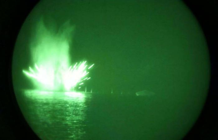 الخليج   بالصور.. أميركا تستعرض قوتها النارية بالخليج استعداداً للردع
