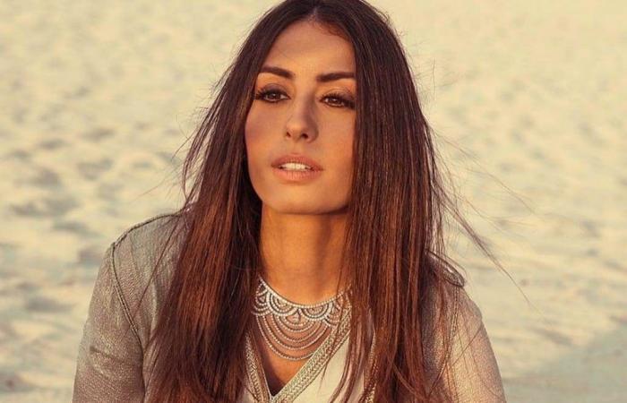 هبة طوجي تغازل المصريين