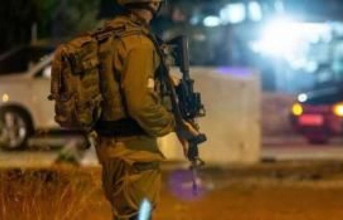 فلسطين | محدث| الاحتلال يعتقل 13 مواطناً بينهم طالب في الثانوية العامة وجريح