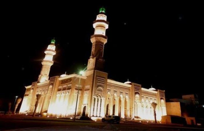 السعودية | صيانة وتعقيم 11 ألف جامع ومسجد استعداداً لعودة الصلاة