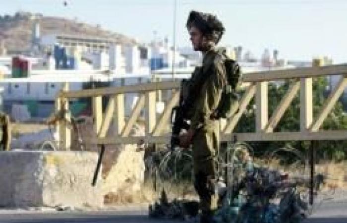 فلسطين   الاحتلال يطلق النار صوب مركبة قرب قرية النبي صالح