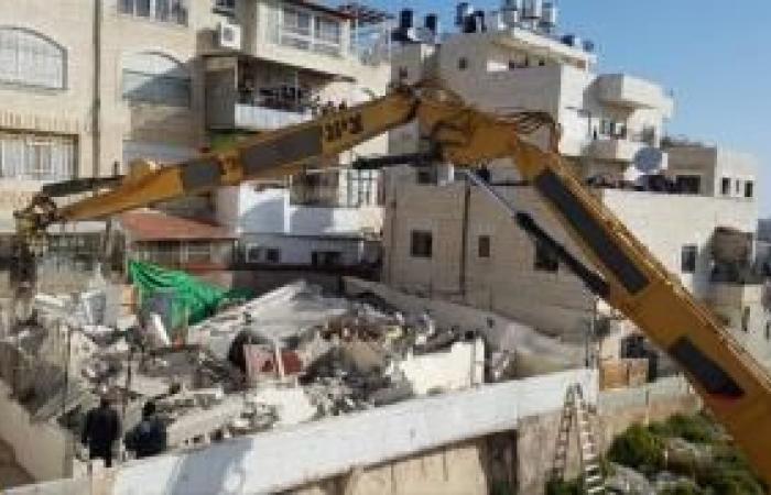 فلسطين   الاحتلال يرغم عائلة مقدسية على هدم منزلها في جبل المكبر